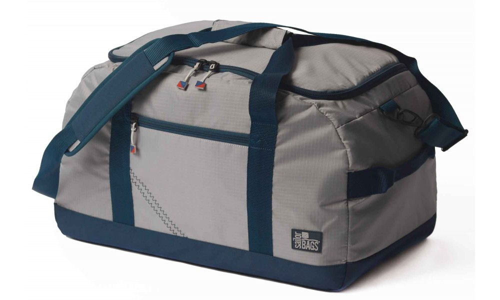 Silver Spinnaker Racer Duffel angle