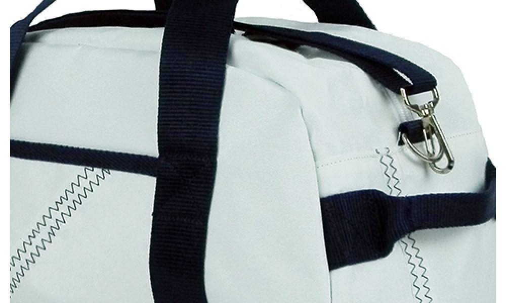 Small Newport Square Duffel close up