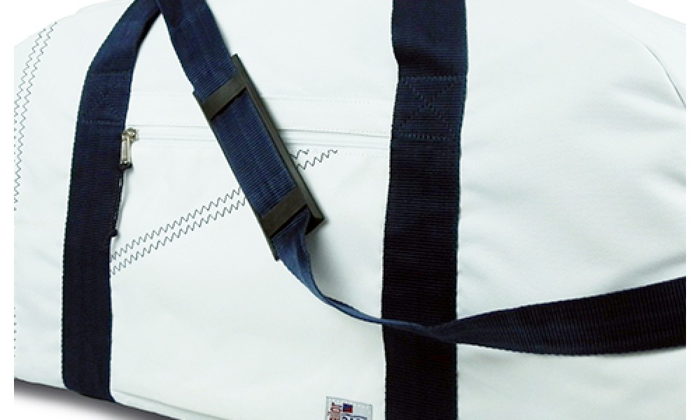 XL Newport Square Duffel detail close up