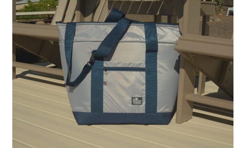 Silver Spinnaker Cooler Tote  on eck