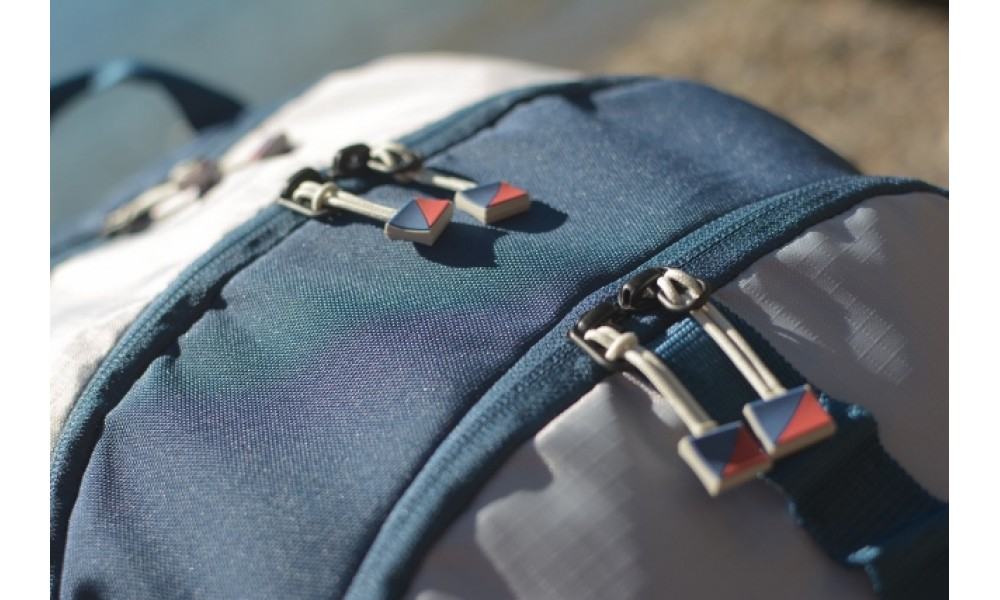 Silver Spinnaker Daypack  zipper close up