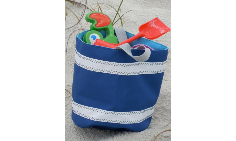 Nautical Stripe Bucket Bag blue loaded for beach
