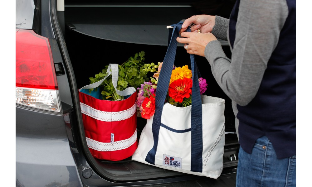 BoatUS offer  Newport Tote - Small- PERSONALIZE FREE!